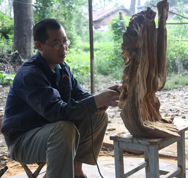 崖柏根艺制作的打磨和抛光方法