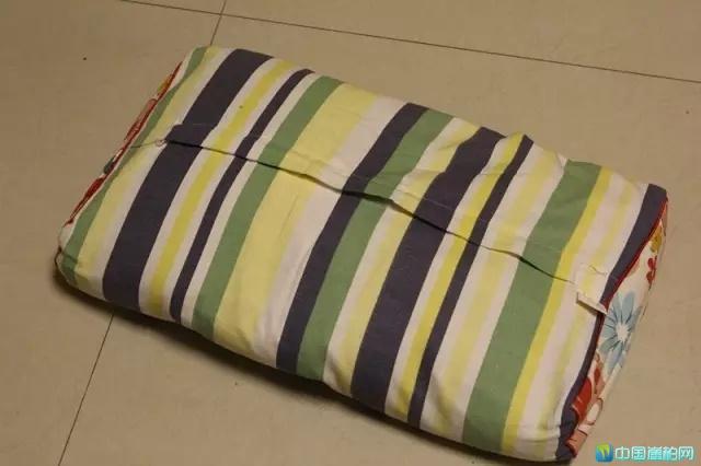 崖柏枕头的制作过程