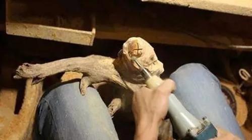 【弥勒佛雕刻教程】教你如何雕刻崖柏弥勒佛根雕