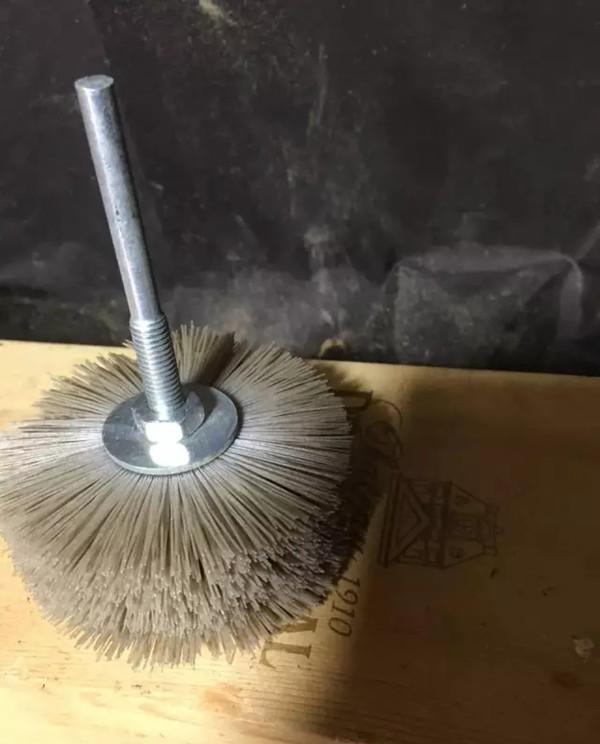 崖柏打磨抛光中选择工具的诀窍及过程   中国崖柏网