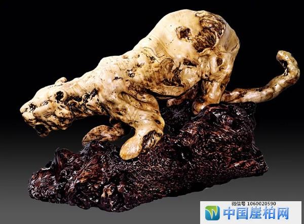 《蓄势待发》 第九届中国根艺优秀作品金奖 黄榕国作