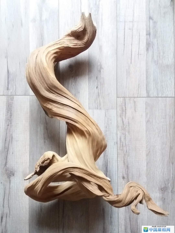 《鸣》 崖柏作品 高55厘米、重5.5斤