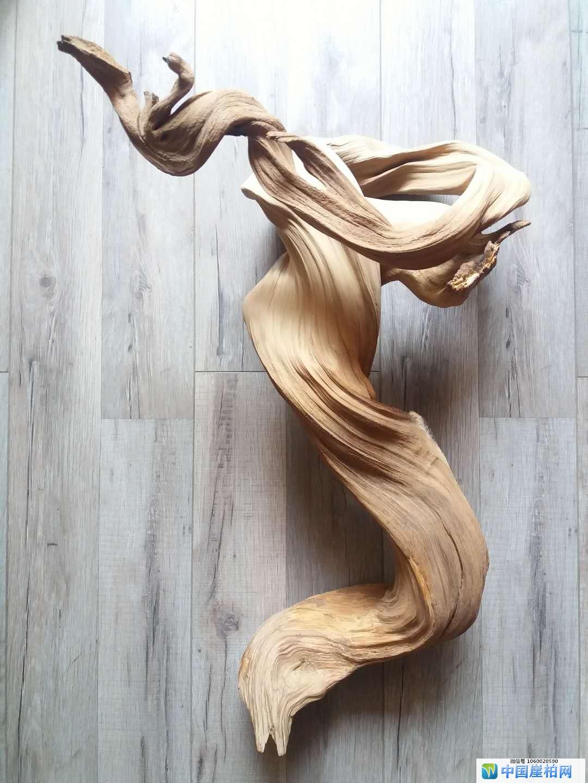 《飘》 崖柏作品 高55厘米、重5.5斤