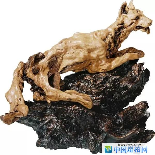 《忠诚卫士》 中国第三届木雕竹编博览会银奖 黄榕国作